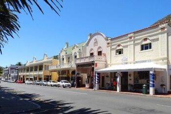 Architecture of Simon\'s Town: St Georges St, Simonstown, Cape Town